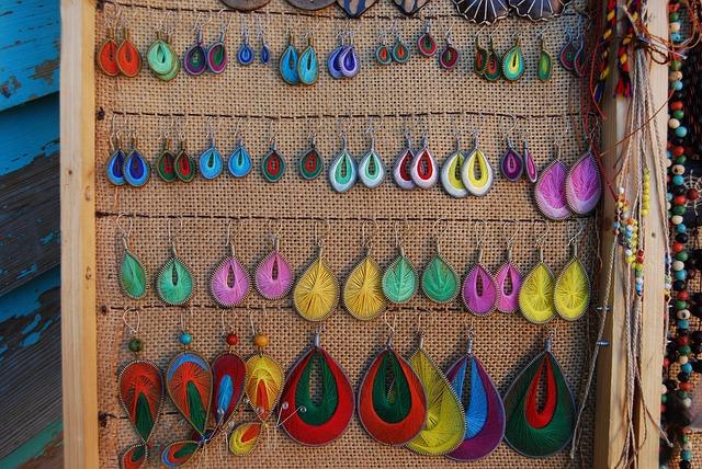 barevné náušnice