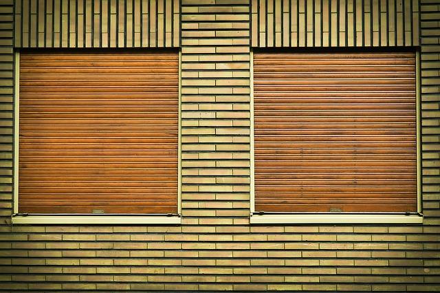 zatažená okna.jpg