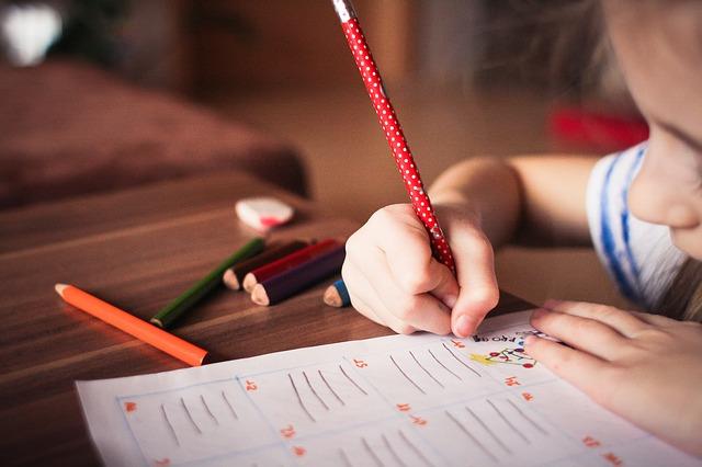 puntíkatá tužka.jpg